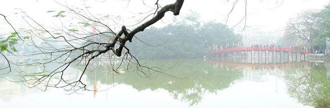 Hoan Kiem Lake early morning