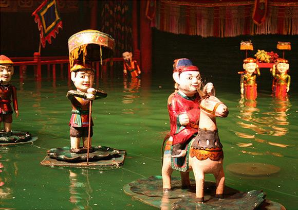 water-Puppet-Theatre-Hanoi