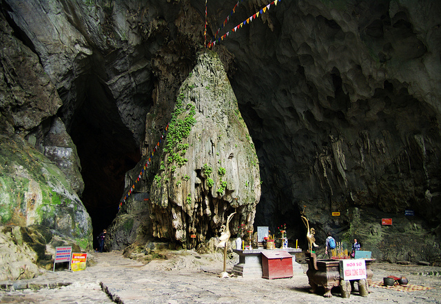 Huong Son Cave pagoda