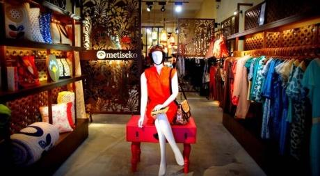Silk shop hanoi